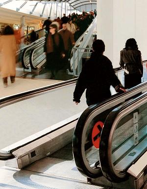 Scale e Marciapiedi mobili in centro commerciale